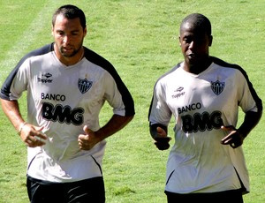 Daniel Carvalho e Toró treinam à parte  - Crédito: Foto: Lucas Catta Prêta / Globoesporte.com