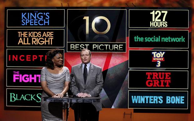 A atriz Mo\'Nique e o presidente da Academia Tom Sherak anunciam os dez indicados na categoria melhor filme - Crédito: Foto: Matt Sayles/AP