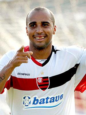 Deivid comemora seu primeiro gol no Carioca - Crédito: Foto: Maurício Val / VIPCOMM