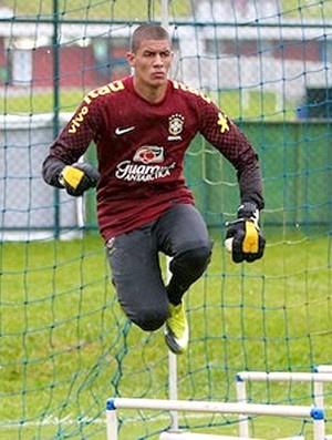 Aleksander vai ter a sua primeira oportunidade na partida diante do Equador - Crédito: Foto: Divulgação / CBF