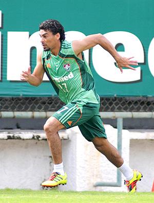 Araújo durante treino do Fluminense. Atacante está bem fisicamente - Crédito: Wallace Teixeira/ Photocamera