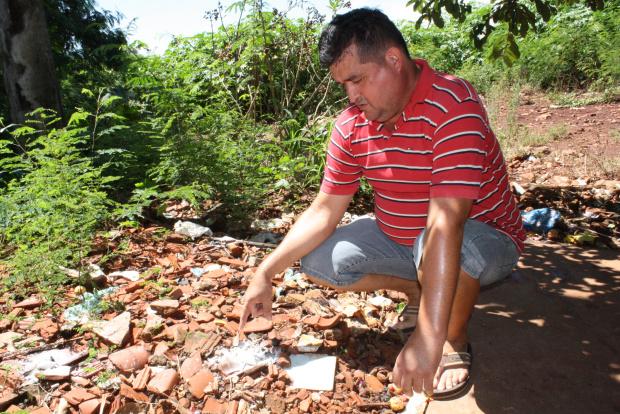 Moradores estão preocupados infestação de caramujos que transmitem doenças - Crédito: Foto: Hédio Fazan