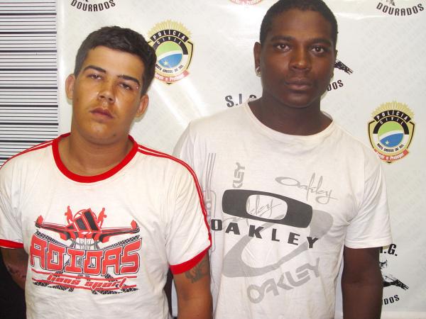 Cleberson e Marciano confessaram assalto no centro Foto: Sidnei Lemos - Bronka -