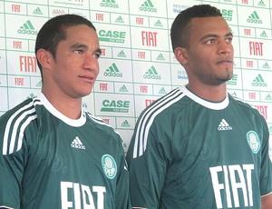 Max e João Vitor ficam no Palmeiras por dois anos - Crédito: Foto: Julyana Travaglia/GE.COM