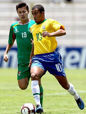 Lucas em ação na partida diante da Bolívia, pelo Sul-Americano sub-20 - Crédito: Foto: Mowa Press