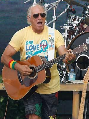 O cantor Jimmy Buffett durante show realizado em julho de 2010 - Crédito: Foto: AP