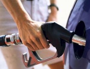 Donos de carro flex podem pode adotar o álcool ao invés da gasolina - Crédito: Foto: Hedio Fazan