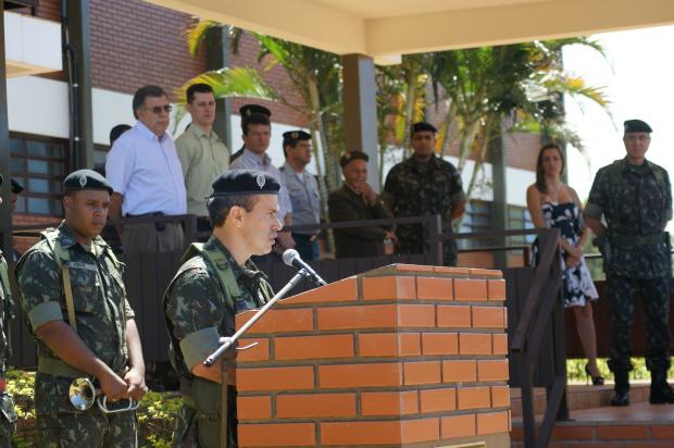 General de Brigada José Carlos Cardoso e o comandante do BLog Gerson Valle Monteiro Júnior  - Crédito: Foto: Hédio Fazan