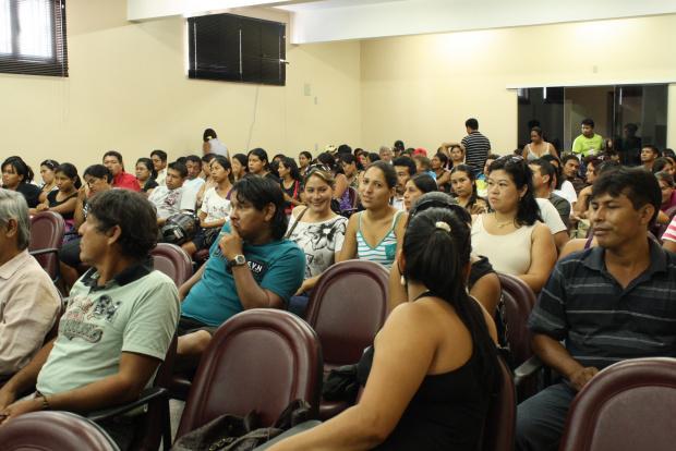 Reunião na tarde de ontem criou minuta para preparar eleição direta nas escolas - Crédito: Foto: Hedio Fazan