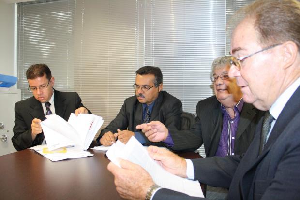 Comissões analisaram ontem todos os pedidos de arquivamento do processo  - Crédito: Foto: Hédio Fazan