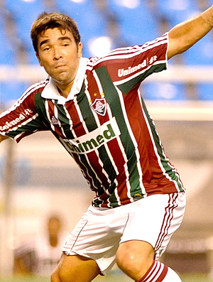 Deco em ação no jogo do Fluminense contra o Olaria - Crédito: Foto: Ag. Estado
