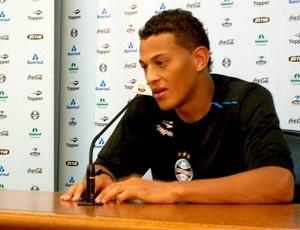 Wesley treinou como titular no time do Gre-Nal  - Crédito: Foto: Eduardo Cecconi / Globoesporte.com