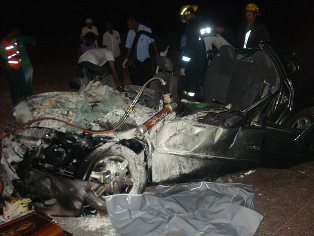 Bombeiros retiram corpos de vítimas de acidente no Norte de Minas - Crédito: Foto: Corpo de Bombeiros de Minas Gerais/Divulgação