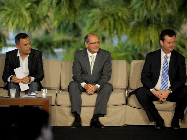 Paulo Borges, Alckmin e Kassab em coletiva de abertura da SPFW em São Paulo. O prefeito da cidade destacou o evento como um dos grandes da economia brasileira e disse que a SPFW colaborou para que São Paulo batesse todos os recordes da economia de turismo - Crédito: Foto: Raul Zito/G1
