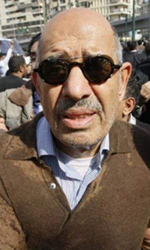 O opositor Mohamed ElBaradei durante protestos nesta sexta-feira - Crédito: Foto: AP