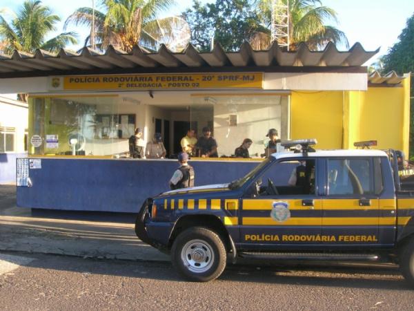 O homem foi preso pela PRF  - Crédito: Foto: PRF / Divulgação