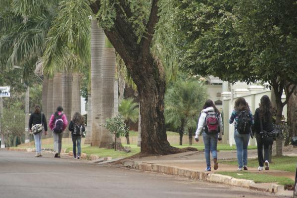 As aulas nas escolas do município começam só no dia 14, já no Estado começa dia 7. -