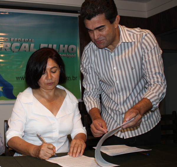 Marçal e Délia anunciam empenho de R$ 1,5 milhão para obras do Pronto Atendimento Infantil Foto: Divulgação -
