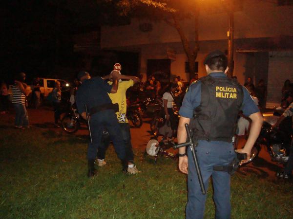 A operação da PM e Guarda Municipal fez centenas de revistas e apreensões Foto: Cido Costa -