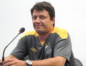 Adilson está otimista com as possibilidades do  Santos - Crédito: Foto: Adilson Barros / Globoesporte.com