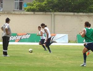 Loco Abreu no treino do Botafogo - Crédito: Foto: Gustavo Rotstein / GLOBOESPORTE.COM