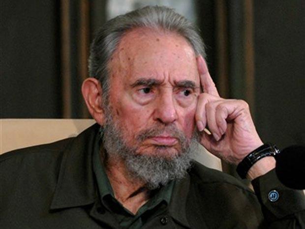 Imagem de arquivo mostra o ex-líder cubano Fidel Castro em discurso na Universidade de Havana. - Crédito: Foto: AFP