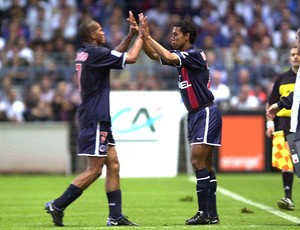 Ronaldinho no momento da estreia pelo PSG  - Crédito: Foto: Reprodução / L´equipe