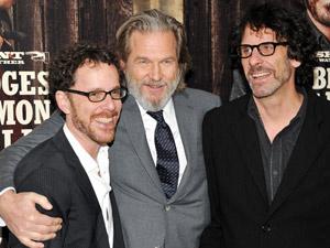 irmãos Coen e Jeff Bridges - Crédito: Foto: AP