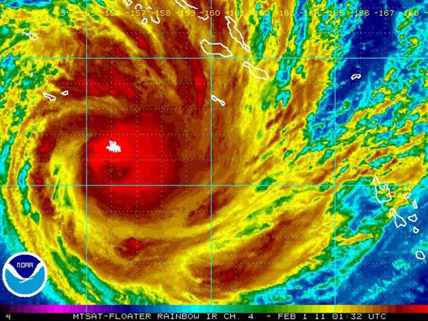Imagem de satélite mostra o ciclone Yasi sobre as Ilhas Salomão e se aproximando da costa da Austrália nesta terça-feira - Crédito: Foto: Reuters