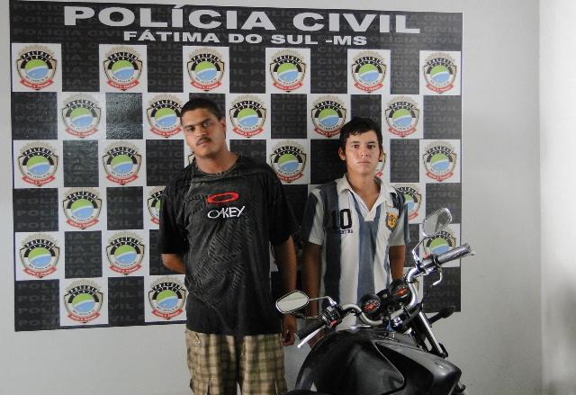 Dupla presa acusada de tentativa de homicídio e tráfico - Crédito: Foto: Gerson Fior