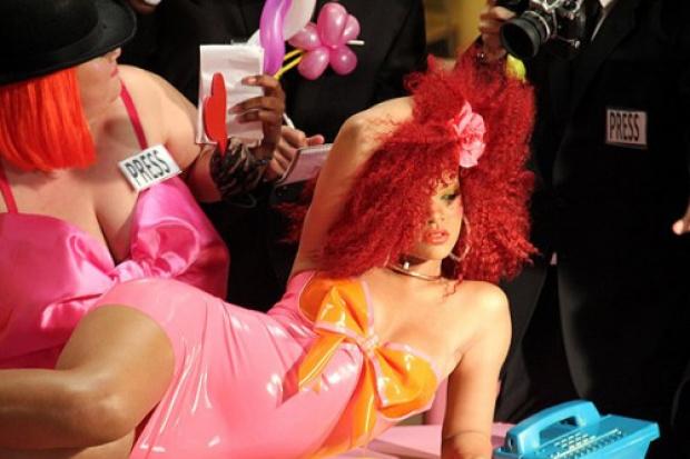 Rihanna em novo clipe S&M - Crédito: Foto: Divulgação