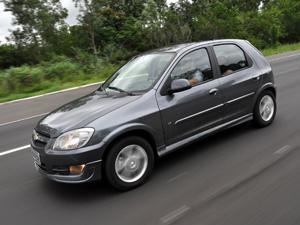 Chevrolet Celta 2012 ganha nova identidade visual e versões LS e LT - Crédito: Foto: Fabio Gonzalez / ABC Imagem