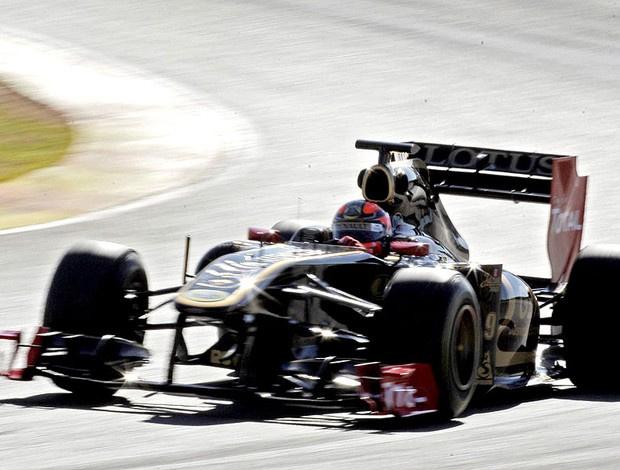 Robert Kubica termina a quinta-feira na frente com o novo carro da Renault-Lotus - Crédito: Foto: EFE