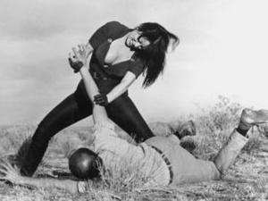 "A atriz Tura Satana interpreta Varla no filme \""Faster, pussycat! Kill! Kill!\"" - Crédito: Foto: Divulgação"