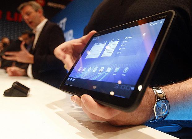 Motorola revelou, durante apresentação no CES 2011, o tablet \'Xoom\'. - Crédito: Foto: Isaac Brekken/AP