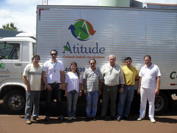 Semanalmente, um representante da Atitude Ambiental, faz a coleta - Crédito: Foto: Divulgação