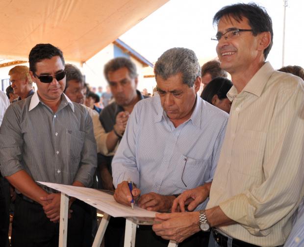 O Prefeito Dirceu Lanzarini,o e o governador André Puccinelli - Crédito: Foto : Felipe Schinaider