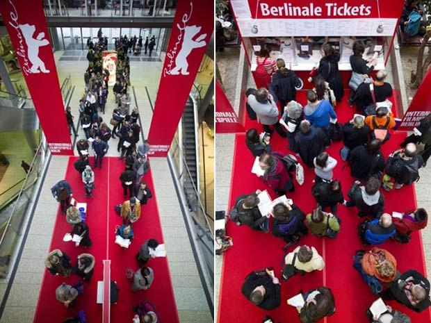 Público faz fila para comprar ingressos para o Festival de Berlim, que começa na quinta - Crédito: Foto: Johannes Eisele/AFP