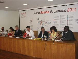 Representantes de entidades e presidentes de escolas estiveram com o prefeito Gilberto Kassab e a SPTuris durante lançamento do Censo Samba Paulistano  - Crédito: Foto: Rafael Italiani/G1