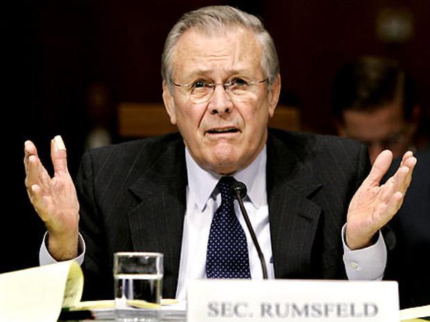 David Rumsfeld, quando Secretário de Defesa dos EUA. - Crédito: Foto: Reprodução / NYDailyNews.com