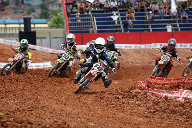Largada da categoria 65cc da Superliga Brasil de Motocross - Crédito: Crédito: Maurício Arruda/VIPCOMM