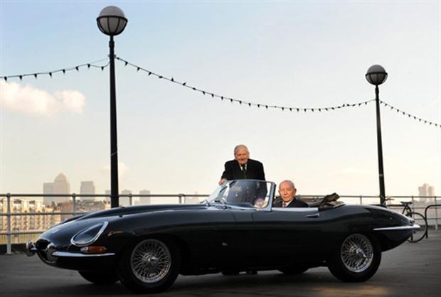 O ex-piloto de testes da Jaguar E-Type, Norman Dewis - Crédito: Foto: AFP