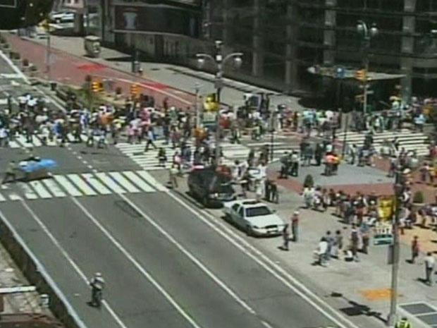 Times Square, em Nova York, é isolada após falso alarme de bomba em 7 de maio de 2010 - Crédito: Foto: Reprodução do vídeo