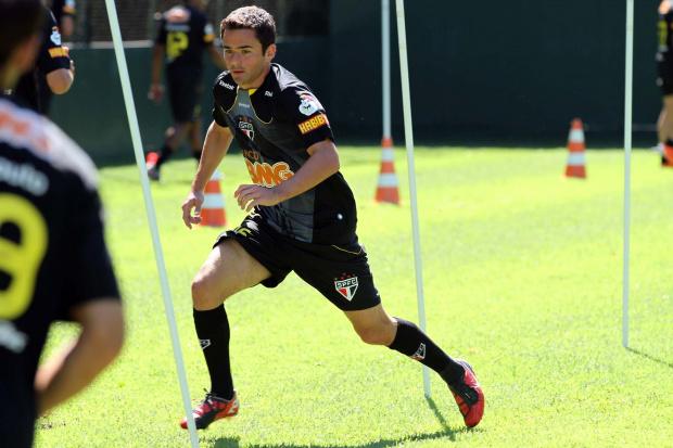 Juan, lateral-esquerdo do São Paulo - Crédito: Crédito: Luiz Pires/VIPCOMM