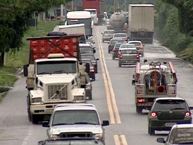 Trânsito intenso na BR-381 no início de janeiro. - Crédito: Foto: Reprodução TV Globo