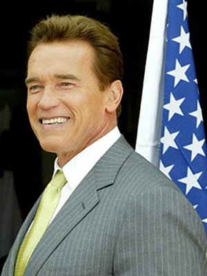 Arnold Schwarzenegger disse que mãe chegou a levá-lo ao médico - Crédito: Foto: AFP