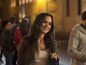 Alice Braga vive no filme a jornalista Angelina Vargas - Crédito: Foto: Divulgação