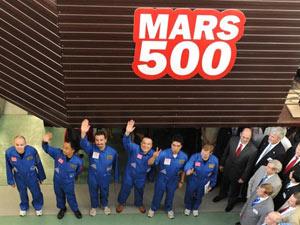 Equipe da Mars500, em 2010, durante divulgação do projeto - Crédito: Foto:Alexander Nemenov / AFP / arquivo