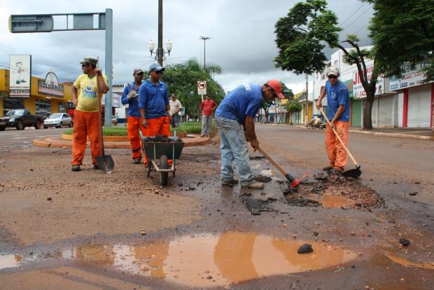 Délia Razuk destaca a economia de mais de 40% no contrato para serviços de tapa-buracos - Crédito: Foto: Divulgação