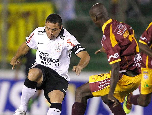 Contra o Deportivo Tolima, no dia 2 de fevereiro, a última partida de Ronaldo como jogador profissional - Crédito: Foto: Reuters